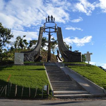 Ruta de Paz, El Chorreron y posa de la bruja (Morazán)